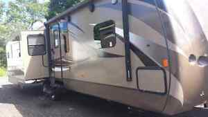 2015 Keystone Cougar - 33ft Trailer