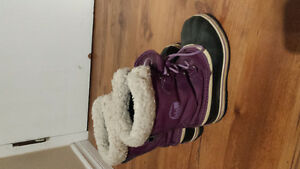 Girls size 3 Sorel winter boots