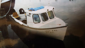 18ft  Fiberglass Boat For Sale