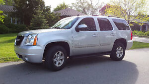 2013 GMC Yukon**LEATHER**SUNROOF** 3RD ROW SEAT