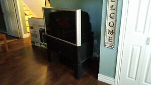 "46"" Hitachi Rear Projection with Stand"