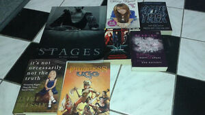 Britney Spears Stages Oversized Book Cambridge Kitchener Area image 1