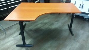 Sturdy Office Desk - Just the right size! Cambridge Kitchener Area image 1