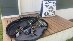 Compound Bow with target
