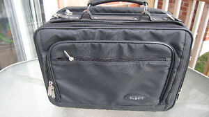 Bugati Executive Style Briefcase Laptop Carry Bag