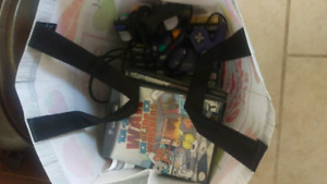 Gamecube games and 2 controllers