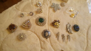 Sets and pieces of vintage jewellery