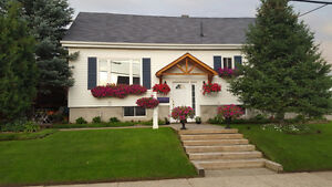 Beautiful house for sale in Timmins - Bonus Convertible 2006