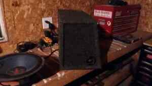 "2 12"" subwoofer boxes Windsor Region Ontario image 3"