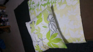 Douvet cover and pillows