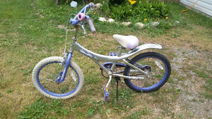 Small mid condition girl bike