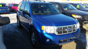 FORD ESCAPE SUV CROSSOVER  ASK MONA ABOUT A FREE CARSTARTER Strathcona County Edmonton Area image 2