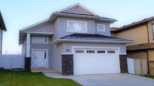 5 bed 3 bath Full House Available – Red Deer