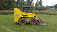 2001 Gehl 5635 skid steer loader (Rubber tire or solid tire)