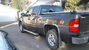 2007  Chevrolet extended cab truck