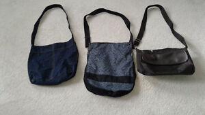 3 hand bags , 1 $ each