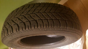 "235 65R17 - 4 ""good year"" winter tires / 4 Pneus d'hiver- nego"