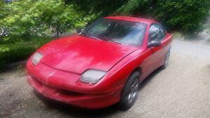 1998 Pontiac Sunfire Red Pontiac Sunfire Coupe (2 door)