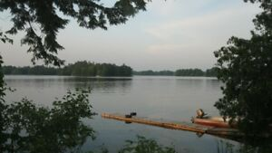 Last minute 2 bdr. waterfront cottage Sydenham Lake $80