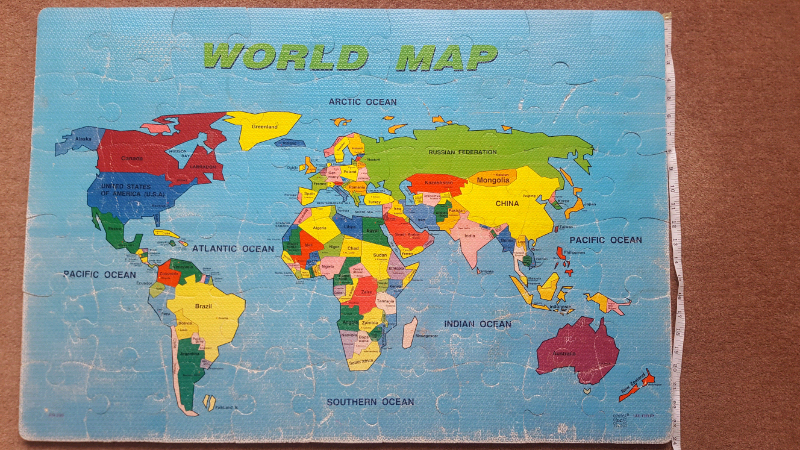 Large foam World Map Jigsaw 23\