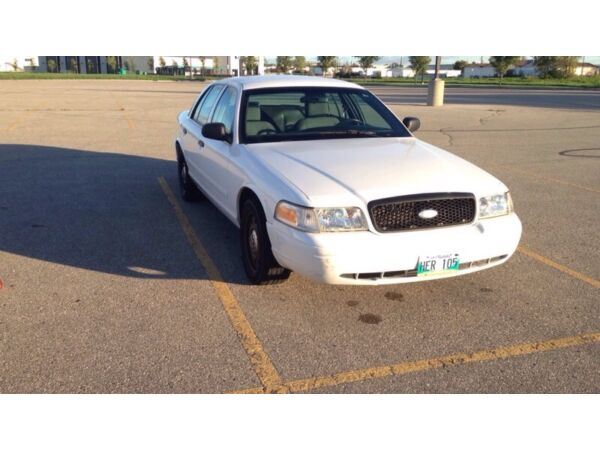 WEEKEND ONLY SALE! $4999 2006 Ford Crown Victoria Pursuit