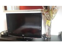 LG 32 Inch LCD TV, FULL HD, Freeview, Remote. Fully working. NO OFFERS
