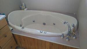 Jacuzzi tub,  sink, vanity and mirror for.sale Belleville Belleville Area image 2