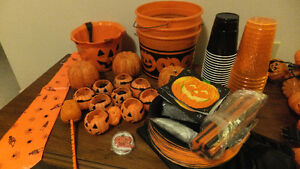 Halloween Party Items & Decor