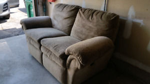 Lazy boy reclining love seat