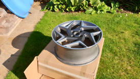 Ford fiesta st3 2020 7.5 X 18H2 alloy wheel some curb damaged