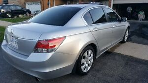 Fully loaded 2009 Honda Accord Sedan with navigation