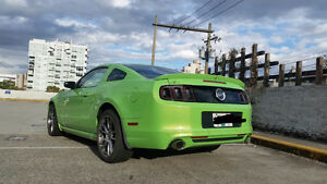 2014 Ford Mustang GT 6-speed 26,000 km