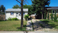 House for rent in Eastview !!!
