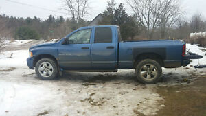 2004 DODGE RAM FULLY LOADED HEMI 20 INCH RIMS LEATHER $3000