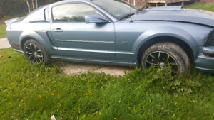 2006 mustang to sell as whole