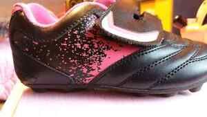 Girl soccer shoes size 11