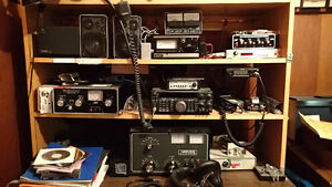 Complete Ham Radio Shack / Amateur radio antenna