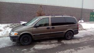 2004 Chevrolet Venture Minivan, Van 1000$ quebec plated !