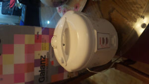 Excellent Galanz rice cooker. Small for mu family got a bigger.