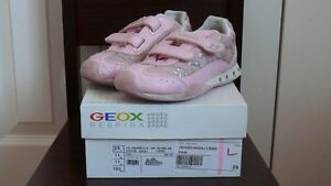 Girls GEOX Running Shoes West Island Greater Montréal image 3