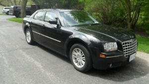 Black Chrysler 300 - 2008