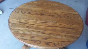 lovely round solid oak coffee table