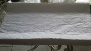 PICCOLO BAMBINO™ --- CONTOUR CHANGING PAD --- LIKE NEW!