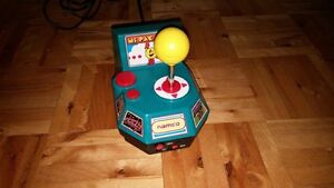 NAMCO ms. PACMAN 5 jeux en 1 plug and play TV