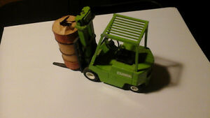 Metal 1:25 Scale Fork Trucks