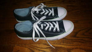LIKE NEW Ladies CT Double-Tongue Converse - 8.5