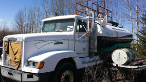 1990 Freightliner 100 barrel Water truck