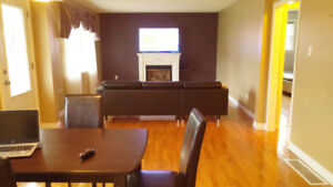 Furnished Bungalow in South Barrie.  Hardwood throughout.
