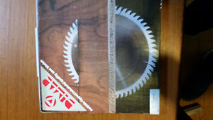 Brand new split scoring blade off of a Altendorf table saw. Pric
