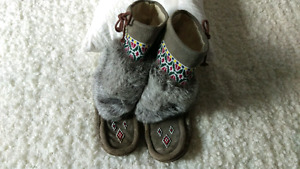 Suede/Fox Fur Moccasin Boots